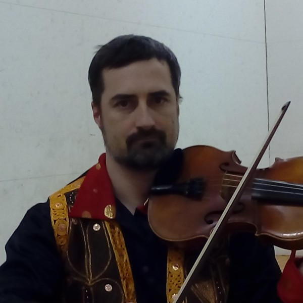 Alex - violin player